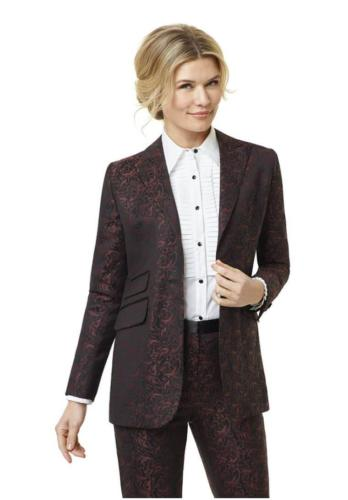 1 Vrouwelijke , feestelijk en stijlvolle dames smoking met witte smoking blouse