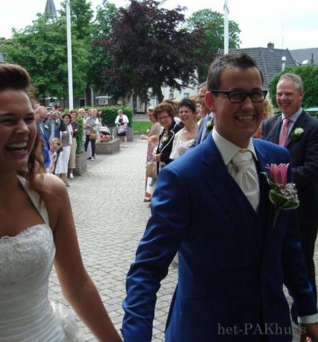 Trouwkostuum gemaakt in Napolitaans blauw met gilet en bijpassend maathemd bij trouwjurk 1 (2)