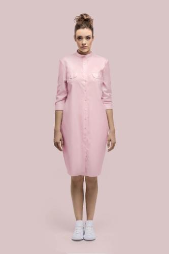 Blouse jurk gemaakt van zacht roze katoen met 3 kwart mouwtjes en zakjes