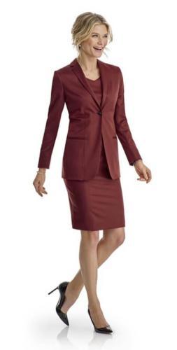 Bordeaux rood colbert met jurk op maat gemaakt met vrouwelijk, stijlvol, zakelijk en tijdloze uitstraling
