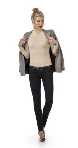 Casual vrouwelijk colbert met zakelijke snit, gemaakt van heerlijk zachte Holland and sherry wol in grijze ruit met hoog draagcomfort en perfecte pasvorm