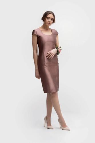 Feestelijke jurk op maat laten maken met een perfecte pasvorm