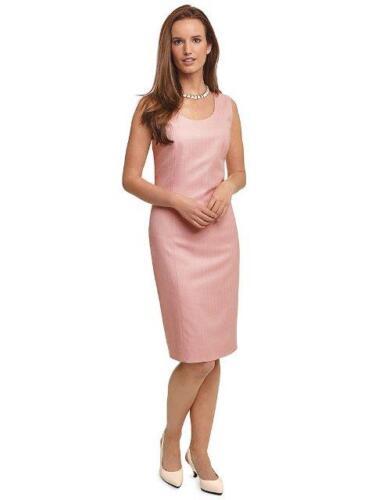 Jurk-op-maat-gemaakt-in-roze-zijde-voor-subtiel-vrouwelijk-glans