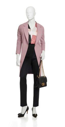 Lange vrouwelijke blazer gemaakt op maat van roze cool wool