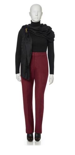 Zakelijke outfit voor vrouwen, rode dames pantalon