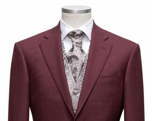 Uniek trouwpak op maat gemaakt van rode zacht glanzende wol met roze zijde gilet