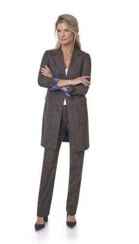 Vrouwelijk zakelijk dames maatkostuum gemaakt van Holland and Sherry stof