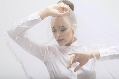 Wit vrouwelijke smoking blouse met ronde kraag en blinde sluiting