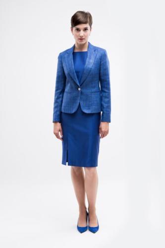 Zakelijke jurk en bijpassende blazer op maat gemaakt. Jurk gemaakt in blauw van crepe strech en blazer gemaakt van linnen